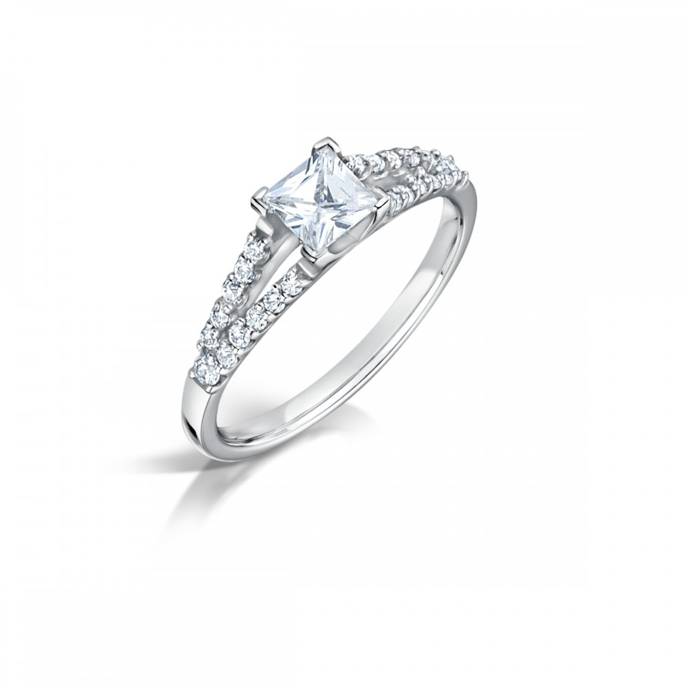Solitaire Diamond Platinum: 0.74ct Princess Cut Diamond Solitaire Engagement Ring With