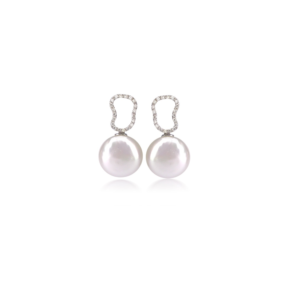 Yvel Freshwater Coin Pearl Earrings With Diamond Details